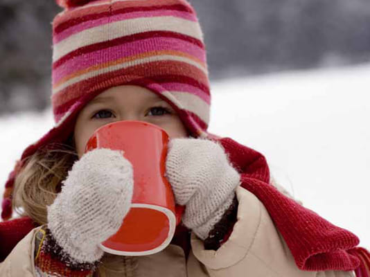 6 ways to have frugal family fun this winter