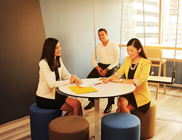 Enjoy a fulfilling mix of personal empowerment and career development at Sun Life
